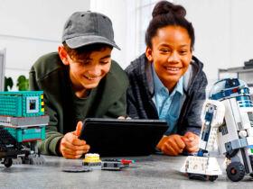LEGO Droid Boost Commander R2-D2