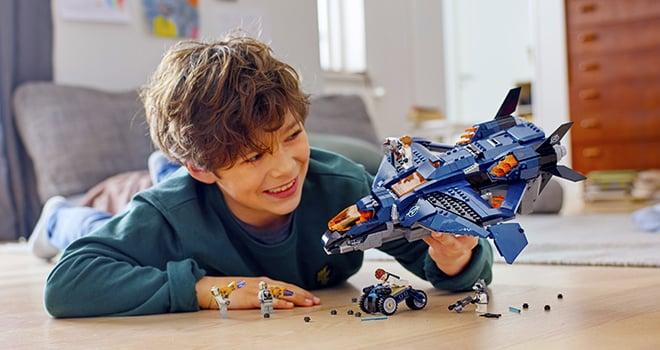 Quinjet Avengers LEGO