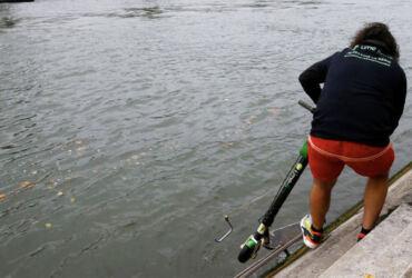 Pescadores de Trotinetas Lime Paris