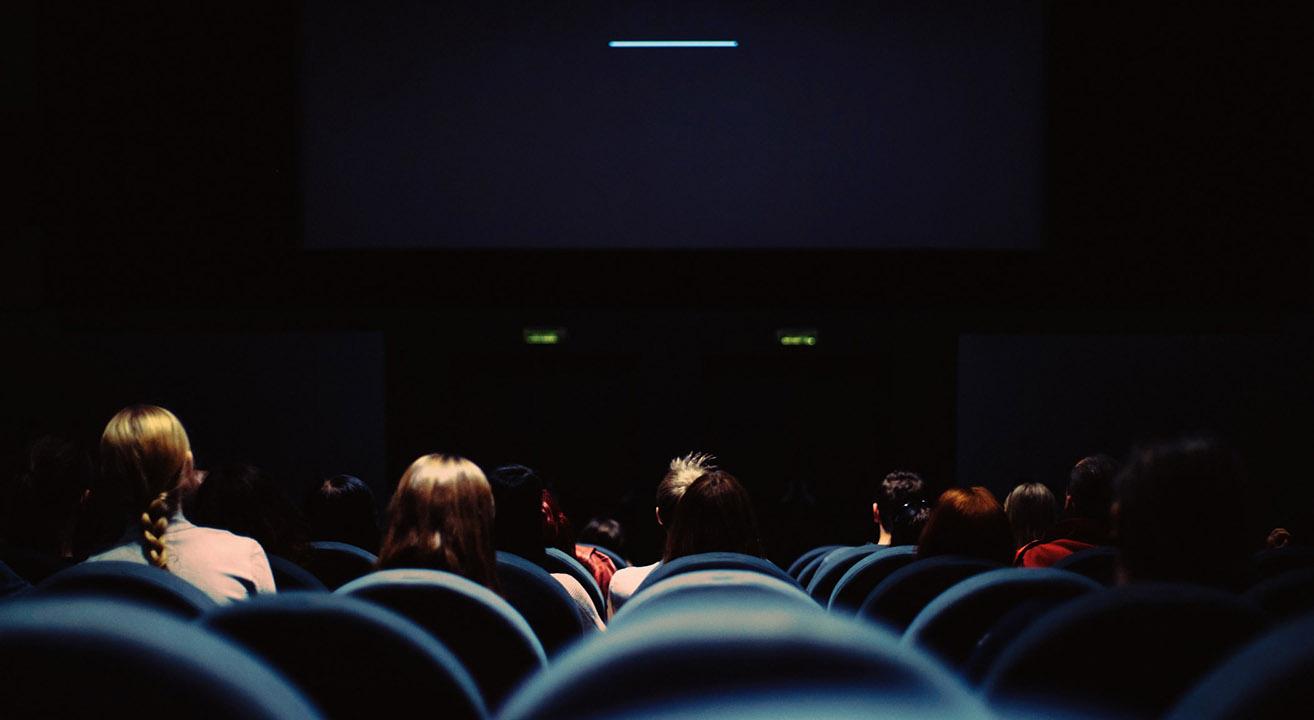 Cinemas Fechados ©Erik Witsoe
