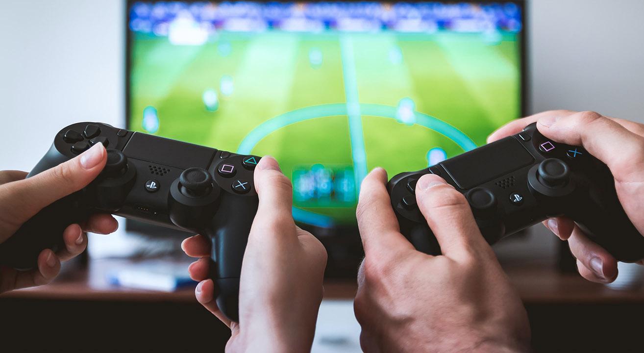 Revolut - Compras de Jogos ©JESHOOTS.COM